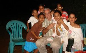 Bill met enkele kinderen